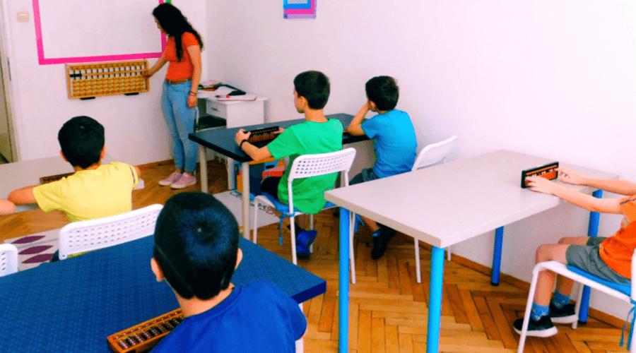 Какво е ментална аритметика и какви са ползите за децата?
